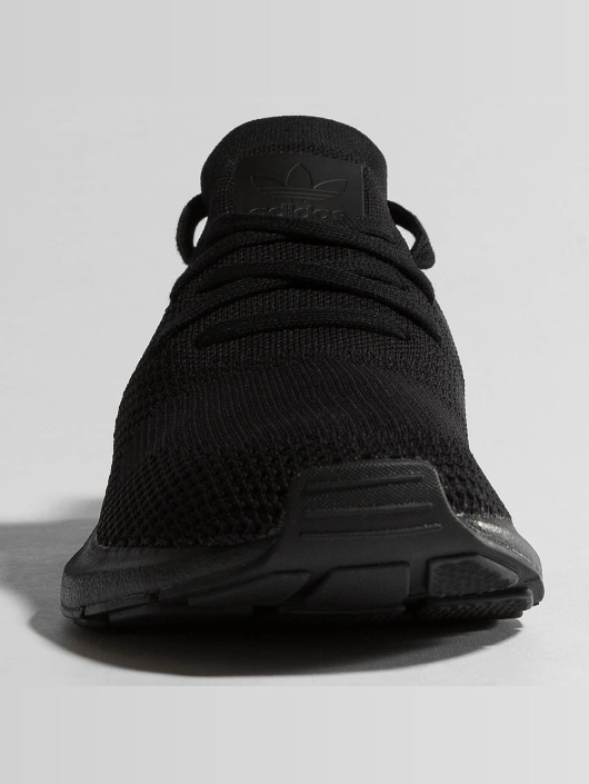 adidas originals Sneakers Swift Run Pk èierna