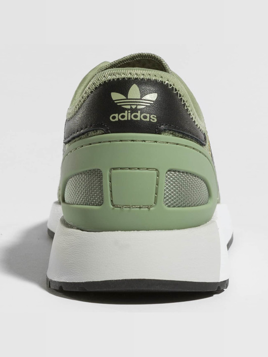 adidas originals Sneakers Iniki Runner CLS green