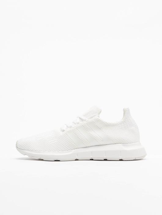 851e5f7ece6 adidas originals Sko / Sneakers Swift Run i hvid 498934