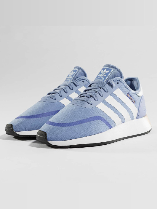 buy popular ac9df 482e6 ... adidas originals Tennarit Iniki Runner CLS W sininen ...