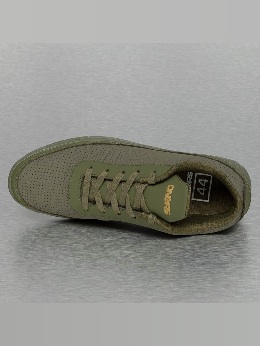 Dangerous DNGRS Sneakers Perforated olive