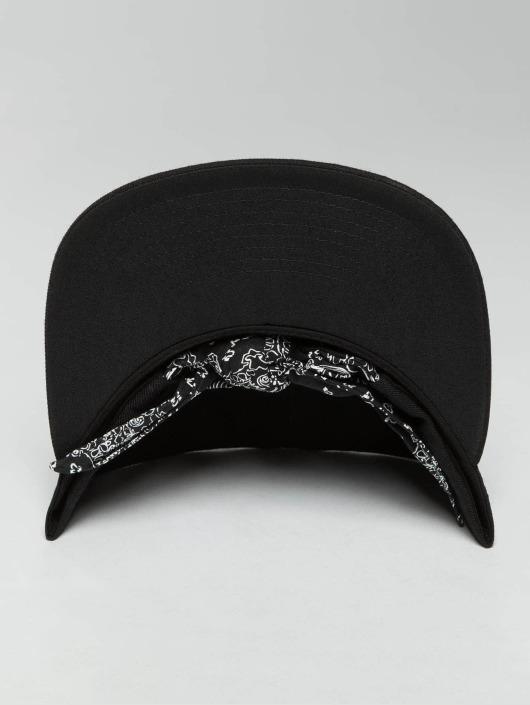 Flexfit Snapback Caps Bandana Tie musta