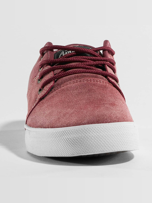 Globe Sneakers Mahalo red