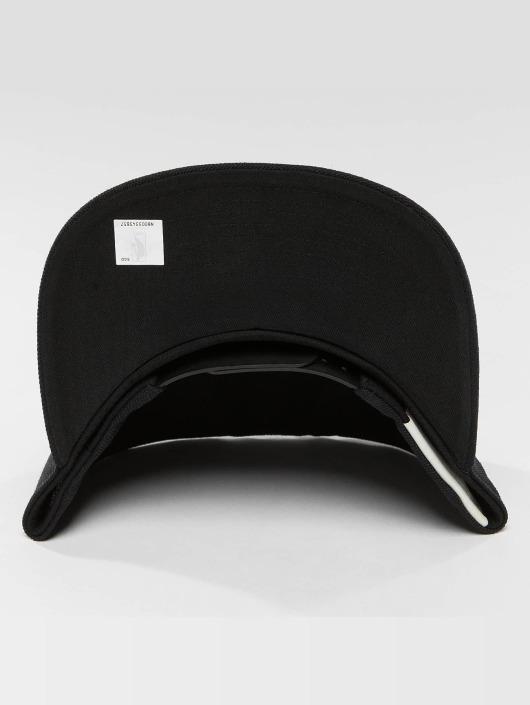 Mitchell & Ness Кепка с застёжкой Black & White Brookyln Nets черный
