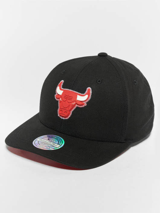 Mitchell & Ness Кепка с застёжкой NBA Chicago Bulls Biowashed Zig Zag 110 Curved черный