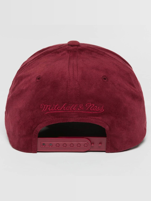 Mitchell & Ness Snapback 110 Curved NBA Cleveland Cavaliers Suede èervená