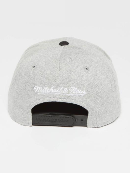 Mitchell & Ness Snapback The 3-Tone šedá