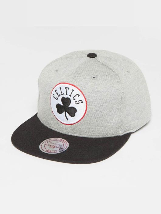 Mitchell & Ness Snapback Cap The 3-Tone NBA Bosten Celtics grau