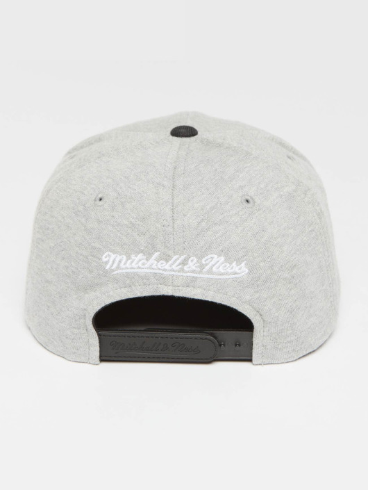Mitchell & Ness Snapback Cap The 3-Tone NBA Bosten Celtics grey