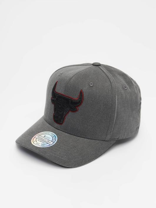 Mitchell & Ness Snapback Cap NBA Chicago Bulls Washed Denim 110 Curved schwarz