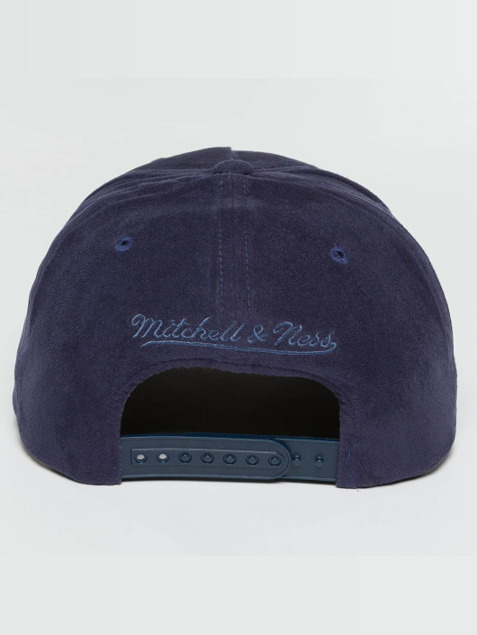 Mitchell & Ness Snapback Caps 110 Curved HWC Golden State Warriors Suede modrý
