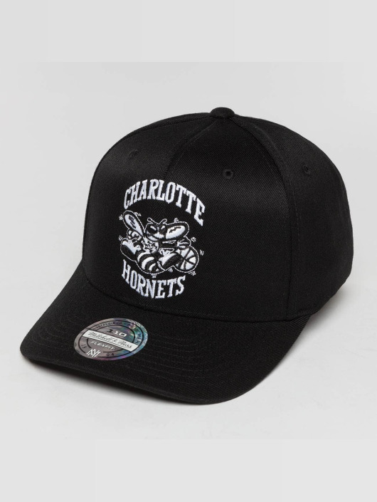 Mitchell & Ness Snapback Caps Black And White Charlotte Hornets 110 Flexfit čern