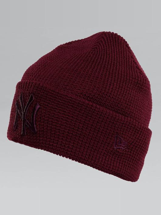 New Era Bonnet New Era Essential Waffle Knit NY Yankees Beanie rouge