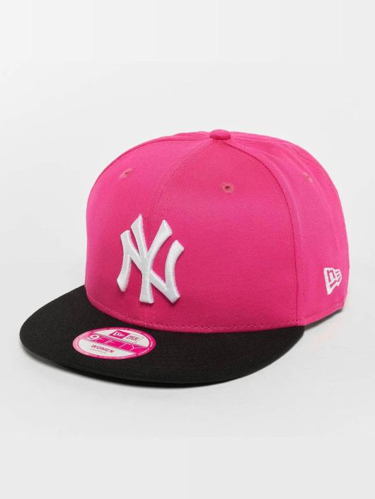 New Era Flexfitted Cap Felt Peak New York magenta