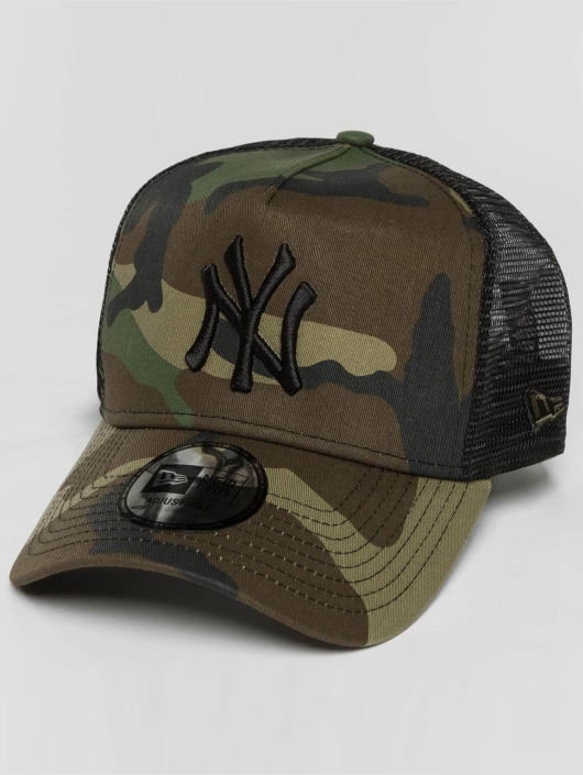 b4cdb81bd783 New Era Trucker Cap lean NY Yankees in camouflage 486006