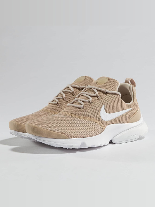 ... Nike Baskets Presto Fly beige ...