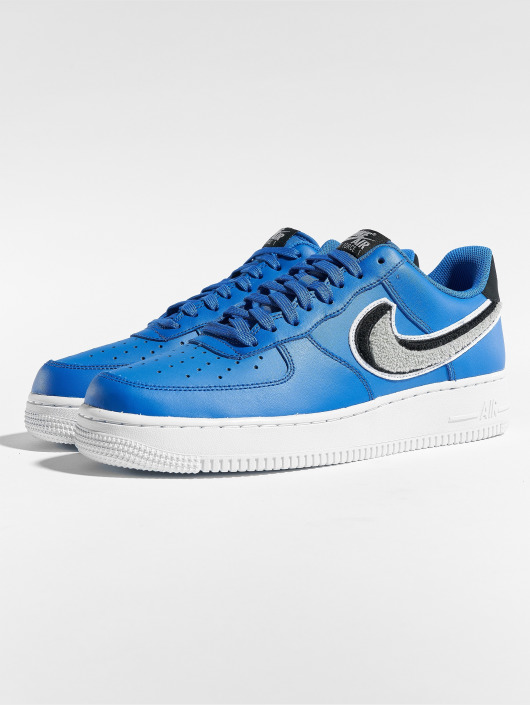 timeless design 078bb c053f ... Nike Baskets Air Force 1  07 Lv8 bleu ...