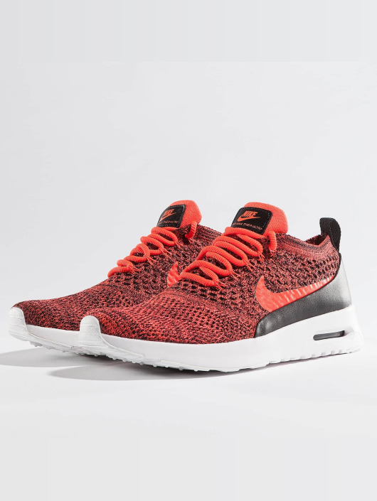fcbaa8cc84a ... Nike Baskets Air Max Thea Ultra Flyknit rouge ...