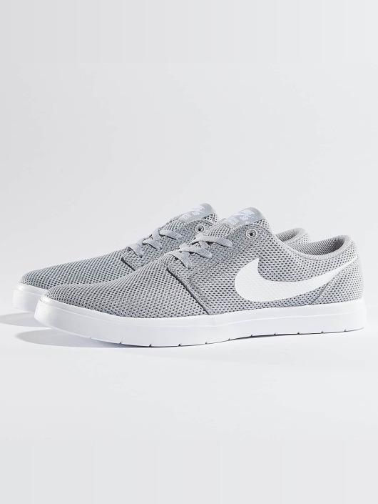 ... Nike SB Baskets Portmore II gris ...