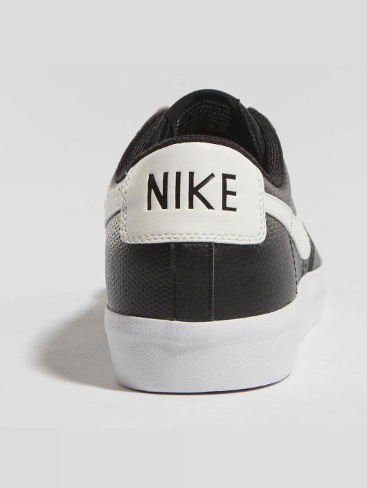 nike herren sneaker blazer low leather in schwarz 444552. Black Bedroom Furniture Sets. Home Design Ideas