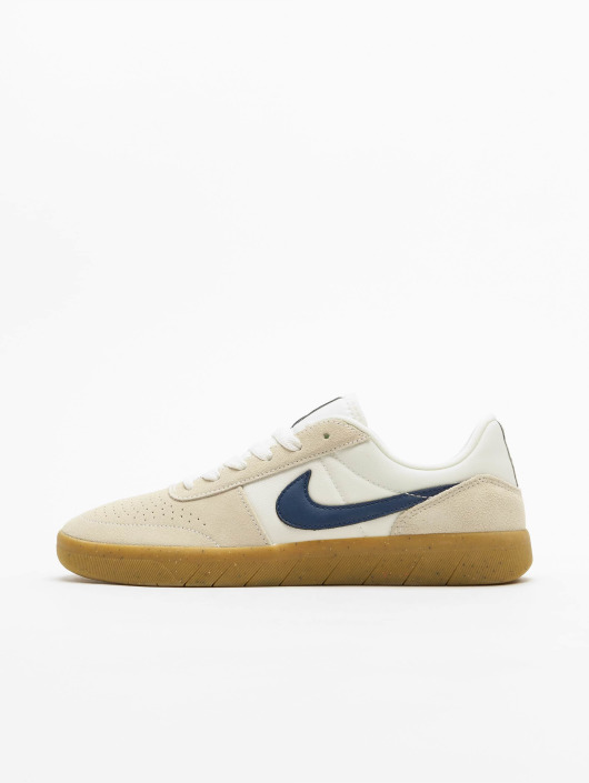 Nike Sneaker Team Classic weiß