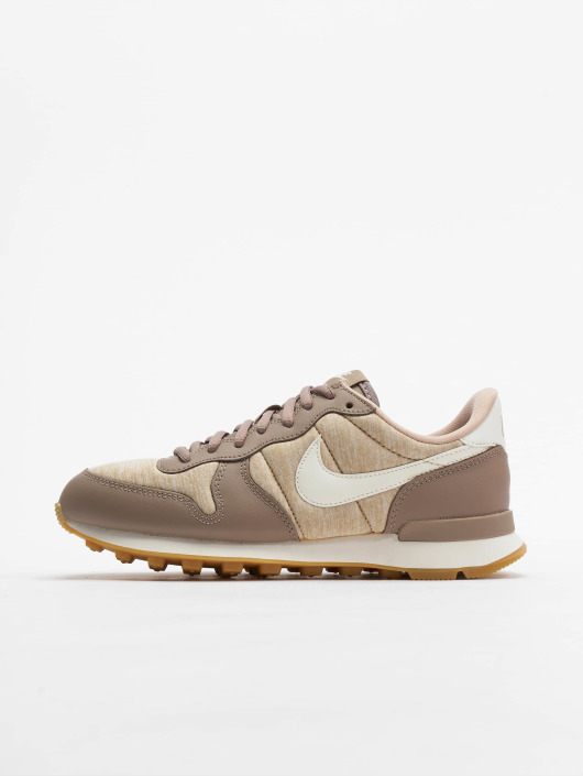 official photos 02208 6e419 Nike Sneakers Internationalist beige  Nike Sneakers Internationalist beige  ...