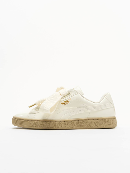 Puma Sneakers Basket Heart Patent Wn`s bialy