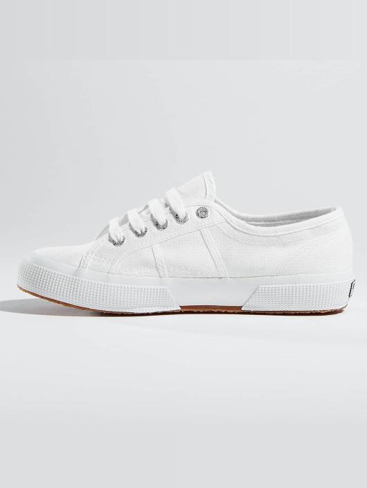 Superga Skor   Sneakers 2750 Cotu i vit 346444 a2523d96169e0