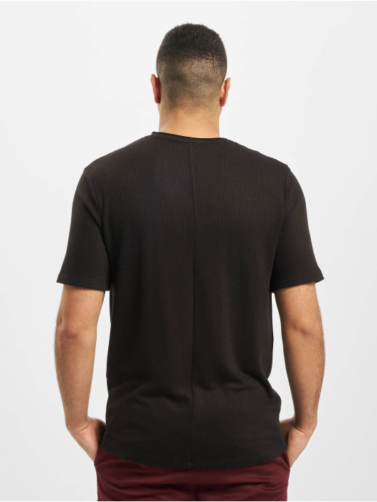 Aarhon Camiseta Adrian negro