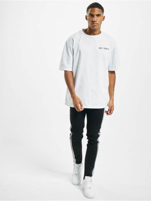 Aarhon T-paidat Off Topic valkoinen