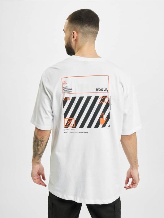 Aarhon T-paidat Subscribe valkoinen