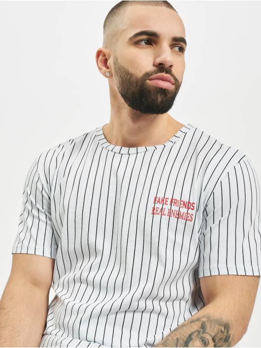 Aarhon T-Shirt Fake Friends weiß