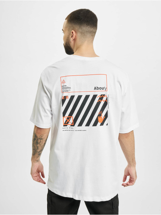 Aarhon t-shirt Subscribe wit