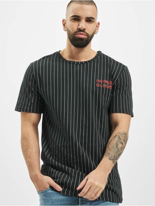 Aarhon t-shirt Fake Friends zwart
