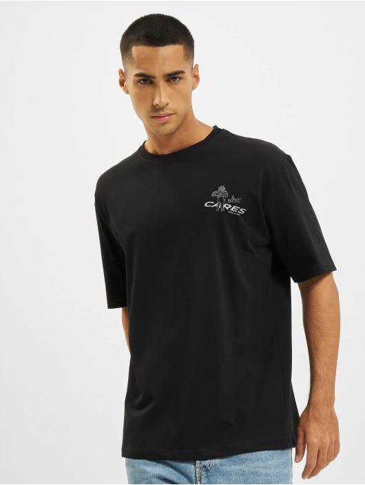 Aarhon t-shirt Who Cares zwart