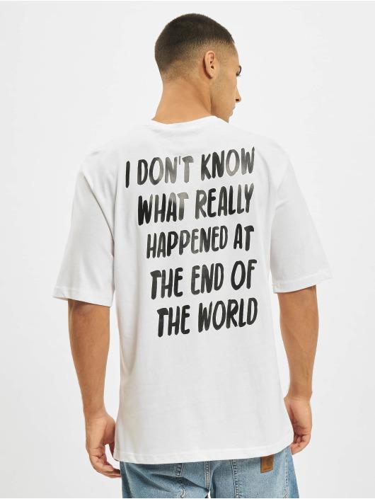 Aarhon T-shirts Never Ending hvid