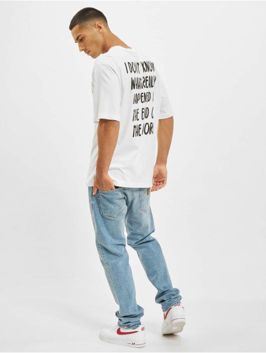 Aarhon T-skjorter Never Ending hvit