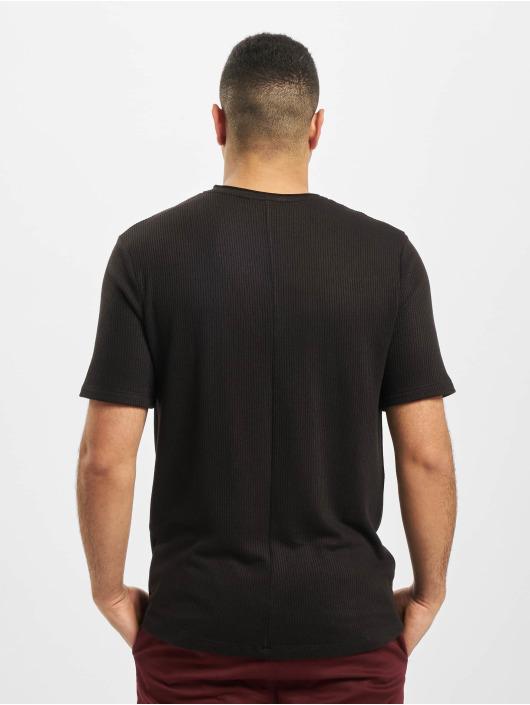 Aarhon T-skjorter Adrian svart