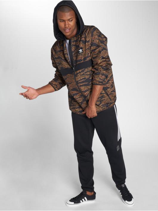 adidas originals Демисезонная куртка Cmo Bb Pckable Transition камуфляж