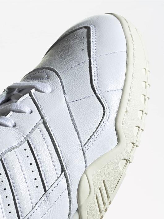 adidas originals Сникеры A.R. Trainer белый