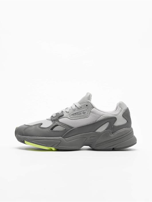adidas Originals Сникеры Falcon серый