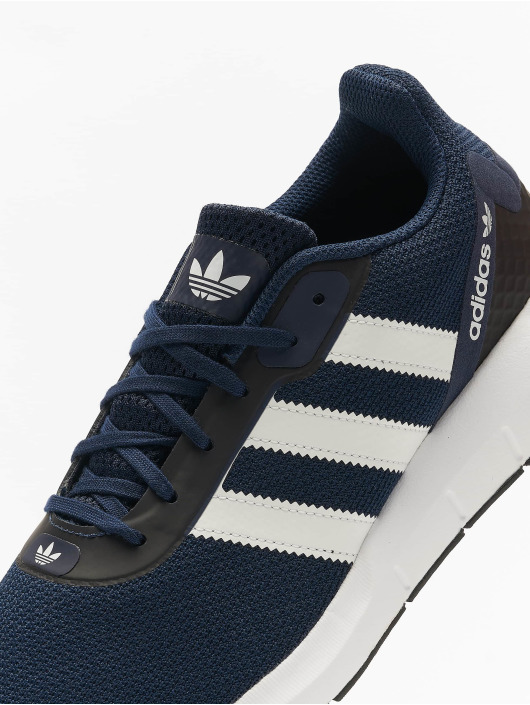 adidas Originals Сникеры Swift Run RF синий