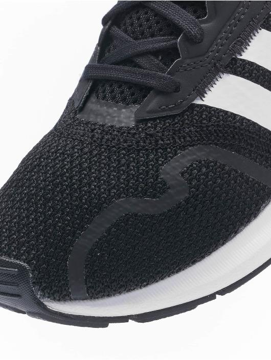 adidas Originals Сникеры Swift Run X C черный