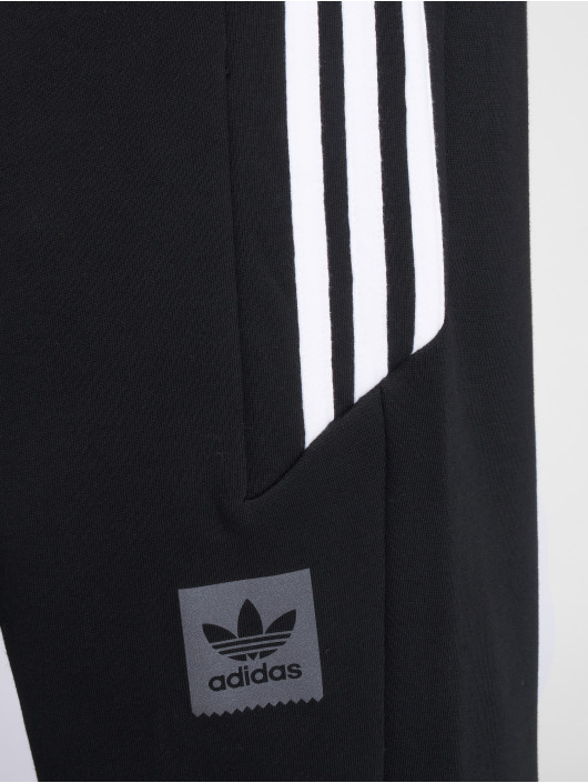 adidas originals Спортивные брюки Tech черный