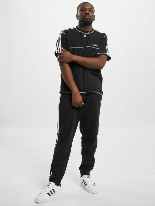 adidas Originals Футболка Contrast Stitch черный