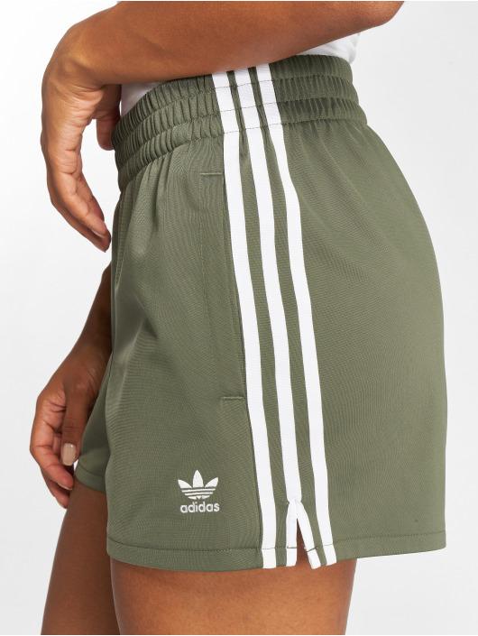 adidas originals Шорты 3 Stripes зеленый