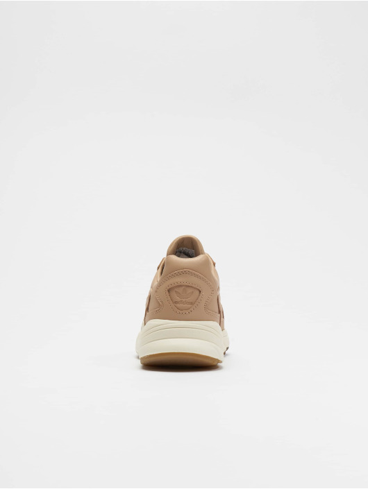 adidas originals Baskets Falcon beige