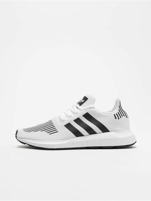 22d43e89313870 adidas originals | Swift Run blanc Homme Baskets 543406