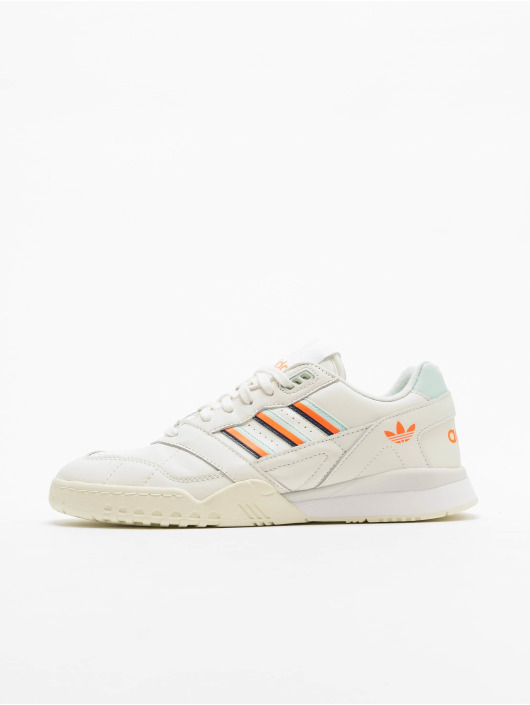 new styles d3f51 54c87 ... adidas originals Baskets A.R. Trainer blanc ...