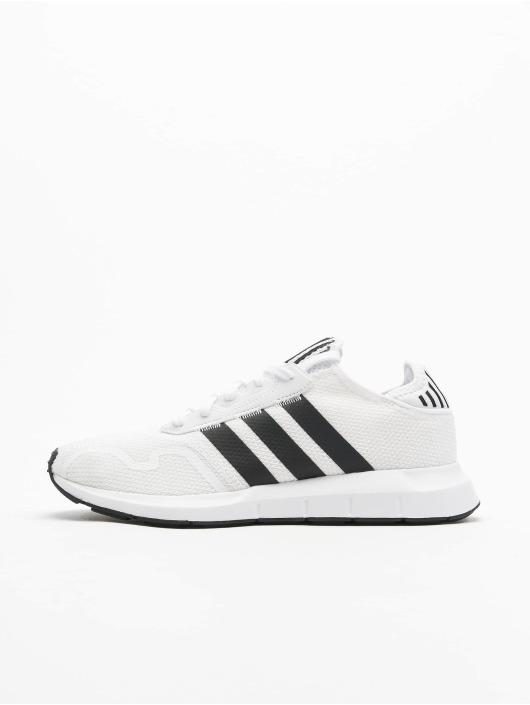 adidas Originals Baskets Swift Run X blanc